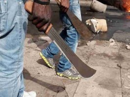 Angry mob sets armed robber ablaze in Anambra
