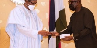 President Buhari recieves first made-in-Nigeria phone
