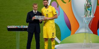 Gianluigi Donnarumma presented with Euro 2020 Player of the Tournament award by UEFA President Aleksander Čeferin