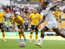 Brentford defeated Wolves despite being down by one man
