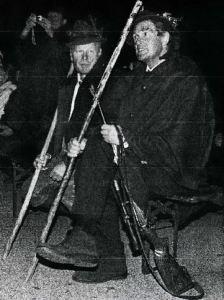 Aufsichtsjäger Alois Raich und der Erleger des HubertushirschesChristoph Oberrauch.