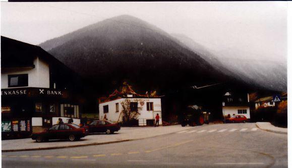 Das RAIKA-Häuschen von Obsteig ist Geschichte (Mai 1991)