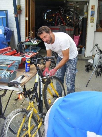 Préparation de la braderie de Lille - Vélo de l'espoir