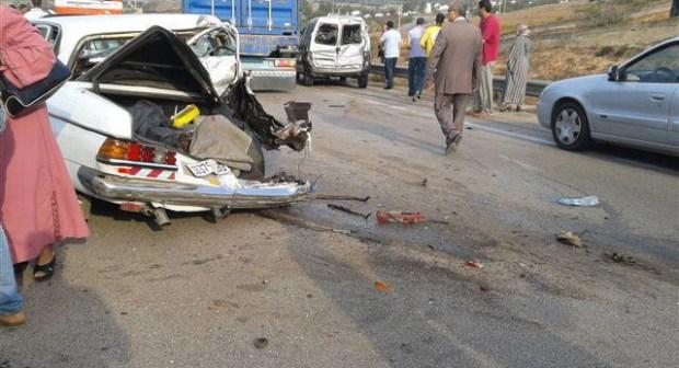 مصرع سيدة وإصابة 10 أخرين في حادثة تصادم بين سيارة خفيفة وطاكسي