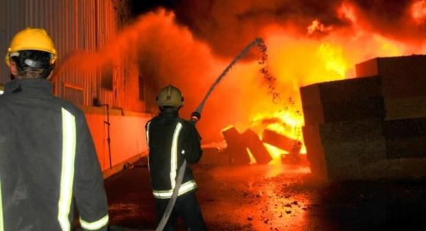 حريق يأتي على منزلين ويخلف وراءه قتيلا