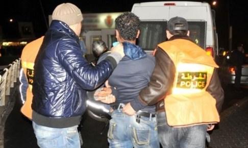 """اعتقال شخصين و بحوزتهما 11 صفيحة لـ""""الشيرا"""" بمحطة للمسافرين"""