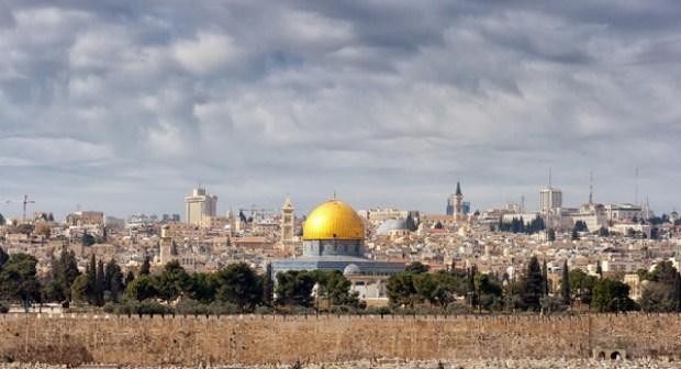 """السعودية تحذر من الاعتراف بالقدس """"عاصمة لإسرائيل"""""""