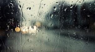 طقس اليوم: سماء غائمة مرفوقة بأمطار خفيفة
