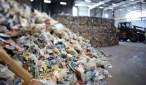 الحكومة تضع شروطا لاستيراد النفايات بعد الفضائح المتوالية