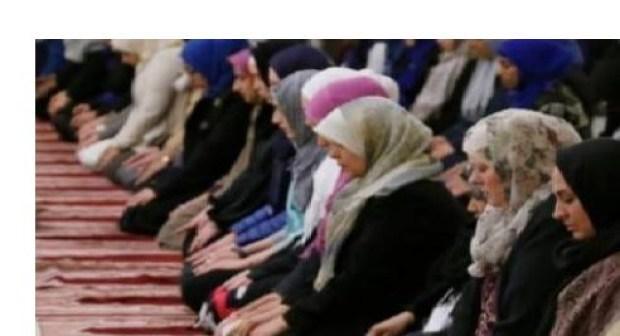 """أكادير: سيدة كانت تصلي"""" التهجد """" قبل صلاة الفجر وهي تسلم الروح لخالقها في المسجد"""