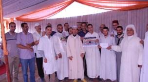 """قافلة """" أمحضار """" الطبية تقدم خدماتها لأزيد من 400 طالب علم وقيم ديني وتتوج فائزا بالعمرة"""