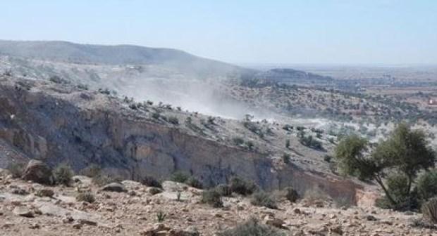 لجنة إقليمية تحقق في انفجارات مقالع الإسمنت بإمي مقورن