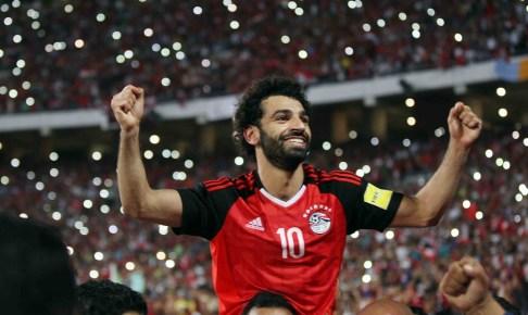 محمد صلاح يتفوق على ميسي و يتوج بجائزة أفضل هدف