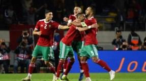 """جماهير المنتخب المغربي تصيح من المدرجات :""""الشعب يريد إسقاط الساعة"""""""