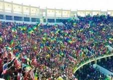 بعد تطوان..جماهير حسنية أكادير ترفض سماع النشيد الوطني (فيديو)