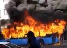 سائق يضرم النار في حافلة للنقل المدرسي وبداخلها 51 تلميذاً