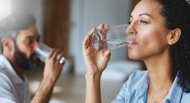 احذروا.. 16 خطرًا لقلة شرب الماء بعد فطور رمضان