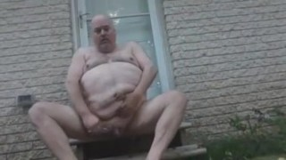 Fat jackofspades shave and piss outdoors