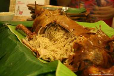 Look at all those noodles inside the lechon de leche