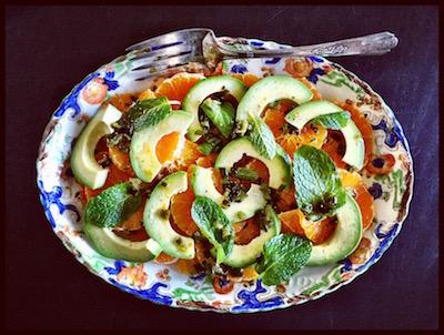 salada de tangerina & abacate com molho de jalapeño