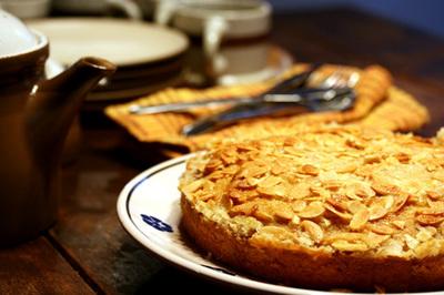 tosca_cake_s.jpg