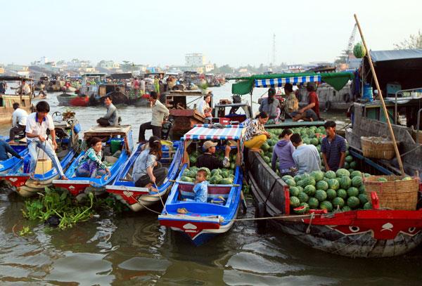 Cairang Floating Market - triptoCantho.com