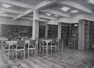 The School Library, top floor of north extension, 1954.