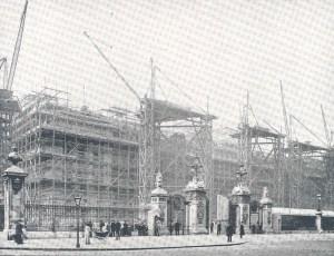 Buckingham_palace1913