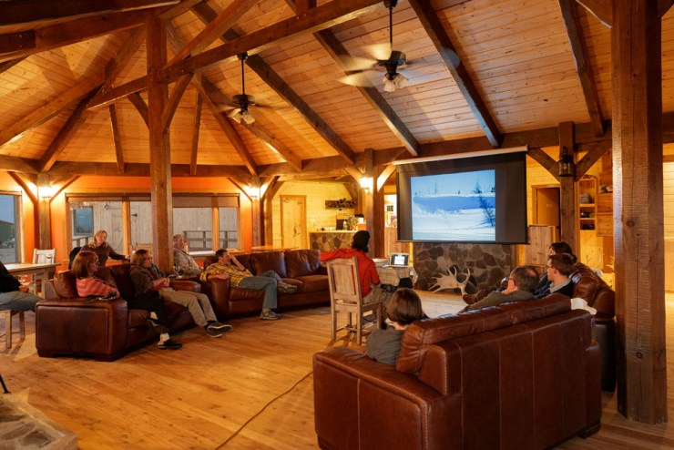 Relaxing in the lounge at Nanuk Polar Bear Lodge. Charles Glatzer photo.