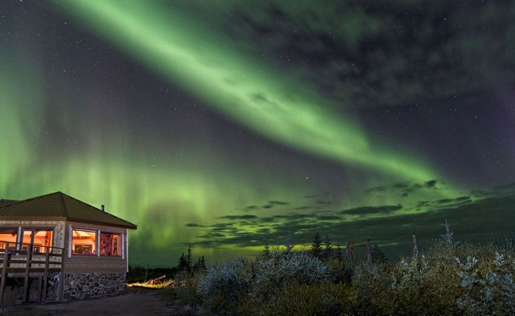Northern Lights. Nanuk Polar Bear Lodge. Charles Glatzer photo.