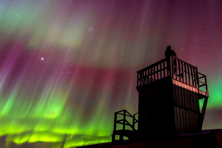 Northern lights from the viewing tower at Seal River Heritage Lodge. Dennis Fast photo.
