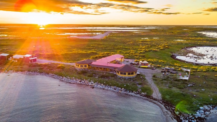 Seal River Heritage Lodge and the land with the disappearing sea. Michael Poliza photo.