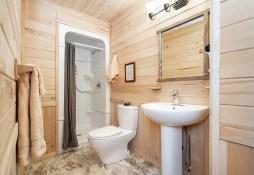 Ensuite bathroom! Dymond Lake Ecolodge. Churchill Wild. Scott Zielke photo.