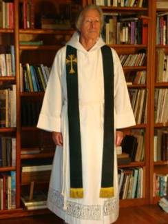 Clergy Stoles For Priests & Deacons – Handmade Church Linens