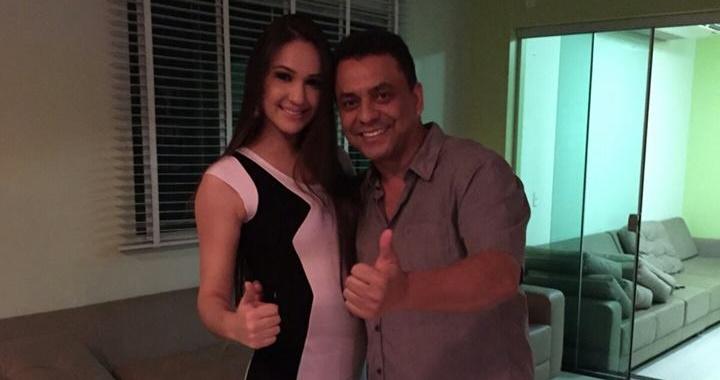 La Miss Paraguay 2015 Katri Villamayor de visita en la residencia de Chicharó?