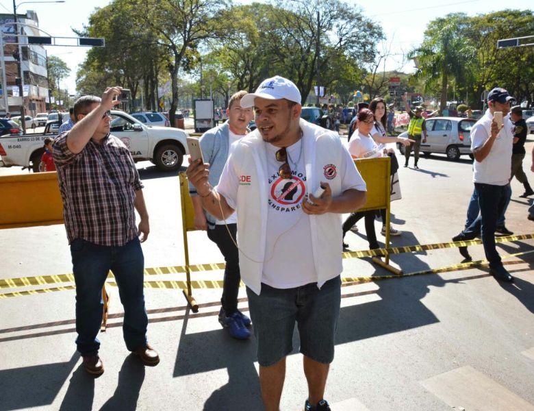 Nuevo fracaso en marcha organizada por opositores a Sandra Zacarías en CDE.