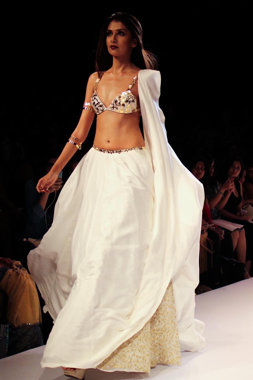 Nikhil Thampi Payal Singhal Lakme Fashion Week-16