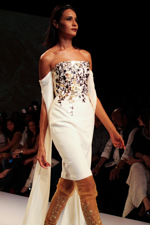 Nikhil Thampi Payal Singhal Lakme Fashion Week-17