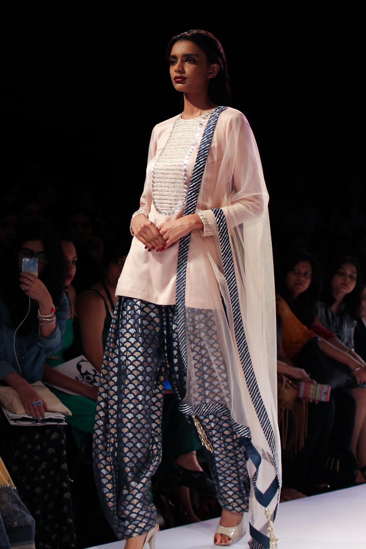 Nikhil Thampi Payal Singhal Lakme Fashion Week-33