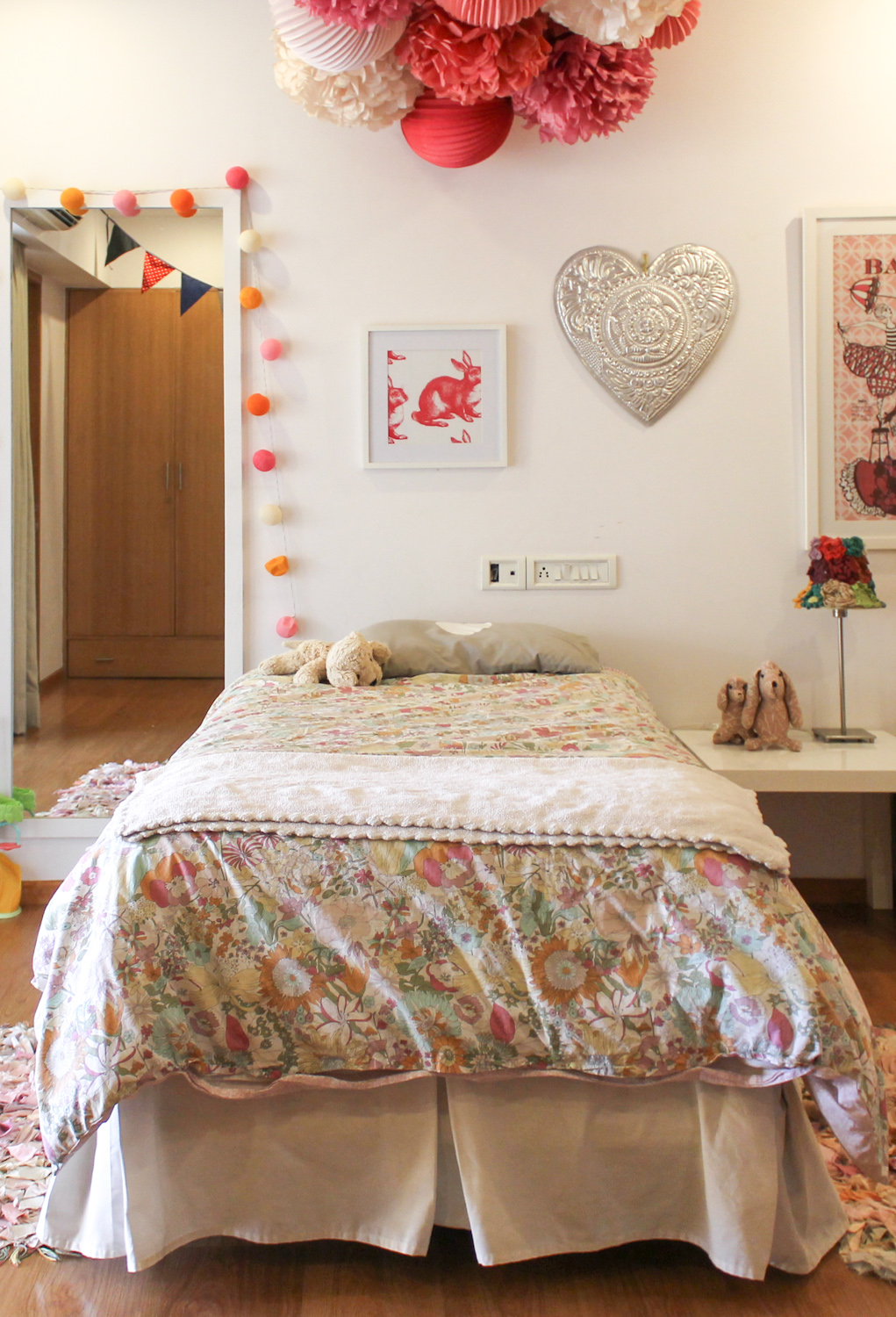 Kids Room with Pom-poms 2