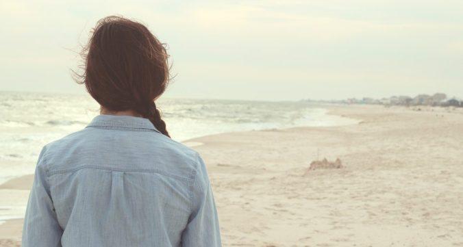 girl_alone