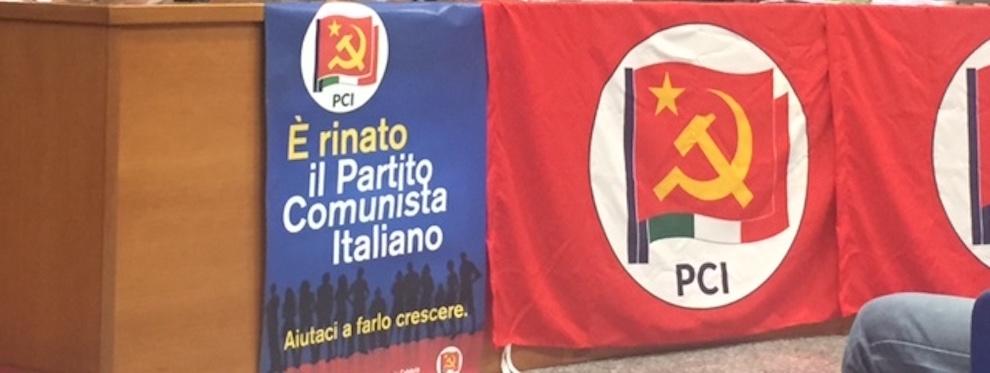 """Reggio Calabria, il PCI aderisce al sit-in di protesta a difesa dell'aeroporto """"Tito Minniti"""""""