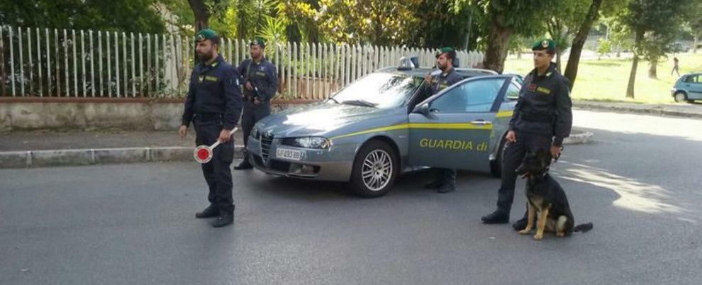 Sorpresi in auto con 106 grammi di cocaina, due arresti