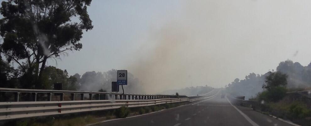 Incendio tra Caulonia e Roccella Jonica