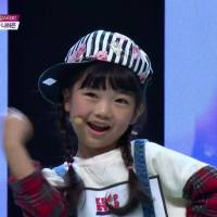 little girl who dance K-Pop style so well