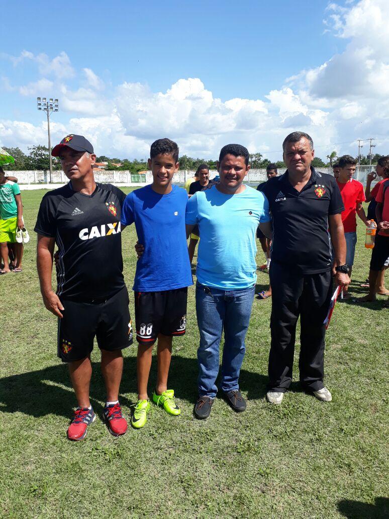 Garoto da Escolinha do NOEC é aprovado em peneira do Sport de Pernambuco