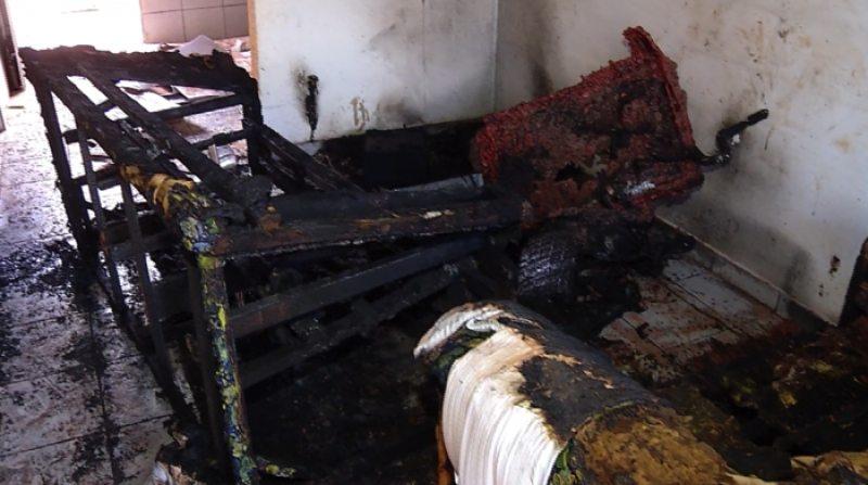 Tragédia! Bebê morre queimado enquanto dormia em casa
