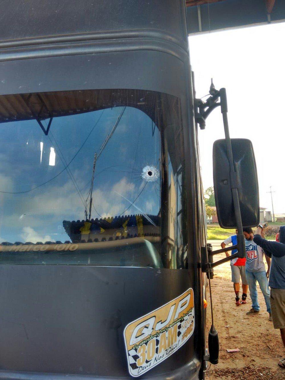 Deu no site Liberal: Ônibus de time paraense sofre tentativa de assalto na BR 316 próximo à Nova Olinda do Maranhão