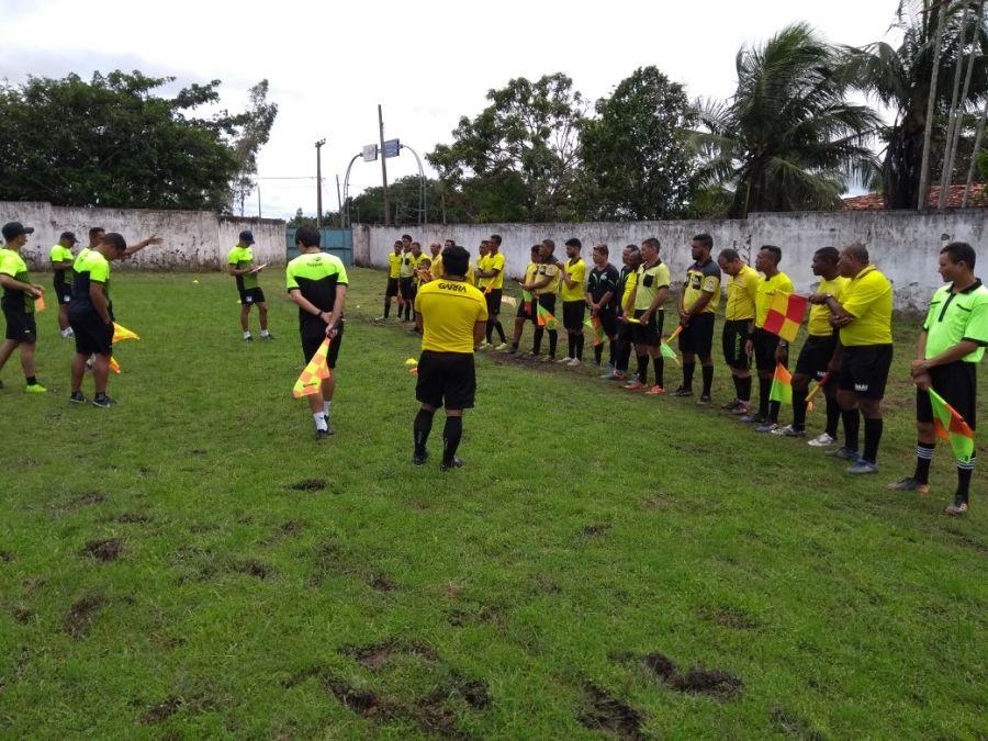 SEMEJ Nova Olinda promove revisão de regras aos árbitros e assistentes