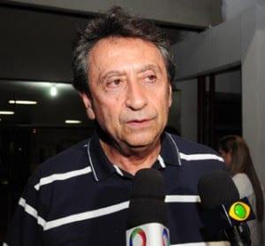 Ricardo Murad se apresenta à PF para cumprir prisão temporária